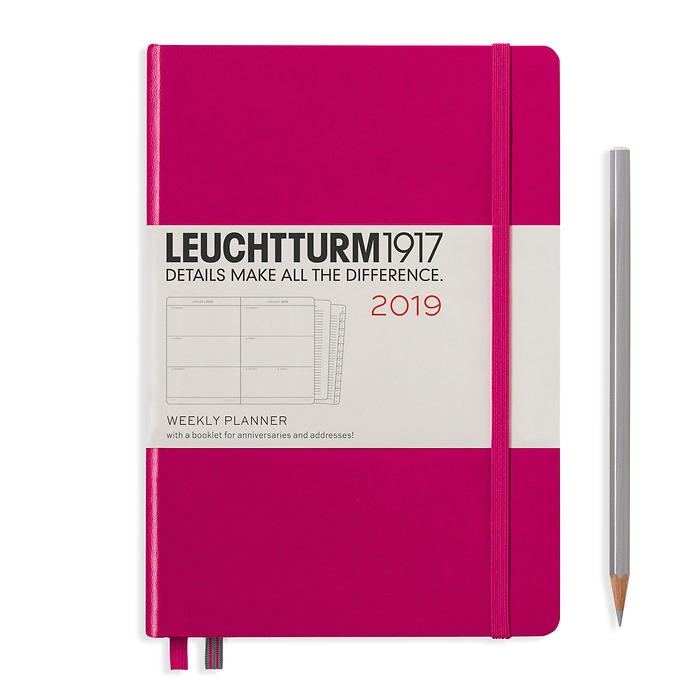 Weekly Planner Medium (A5) 2019 + extra booklet, berry, English